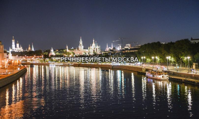 Открытие навигации в Москве 2020 - прогулка на теплоходе по центру с просмотром салюта