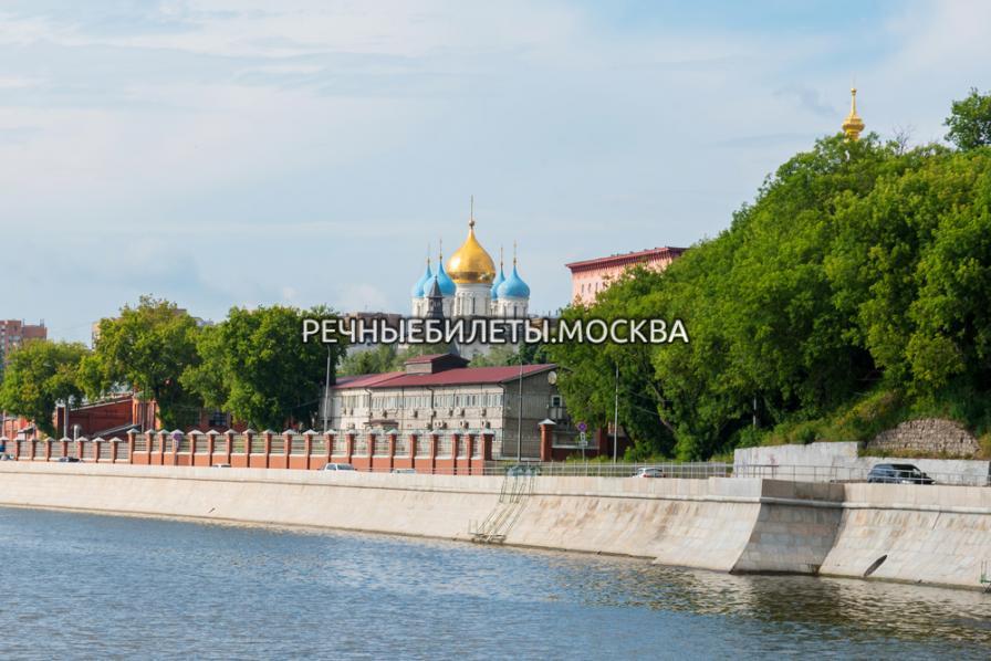 Речная прогулка по вечерней Москве от Киевского вокзала до Дома Музыки с прибытием на причал Новоспасский мост