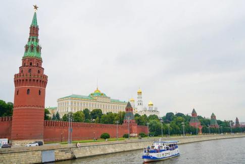 Речная прогулка на комфортабельном теплоходе в Москве с ретро дискотекой